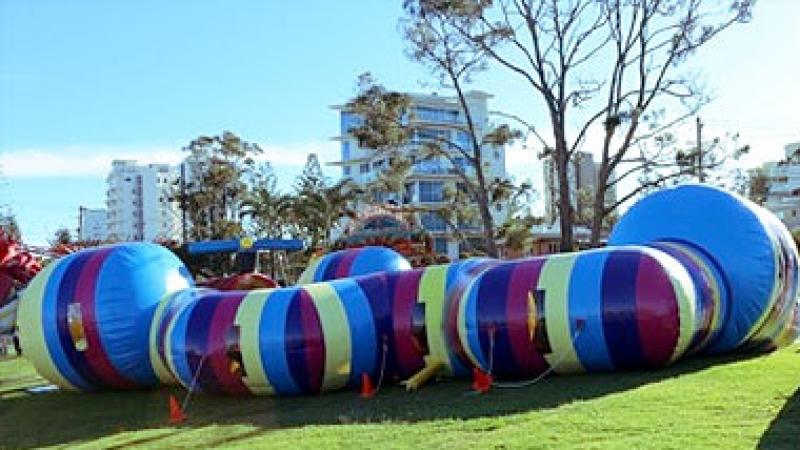 Giant Worm Ride